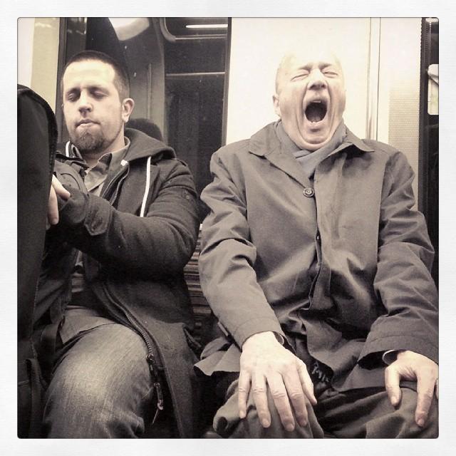 """21 novembre 2014 - 16h37 : """"Avec mon pote on reprend """"Actually"""" des Pet Shop Boys. Pour l'instant, on travaille la pochette…"""""""