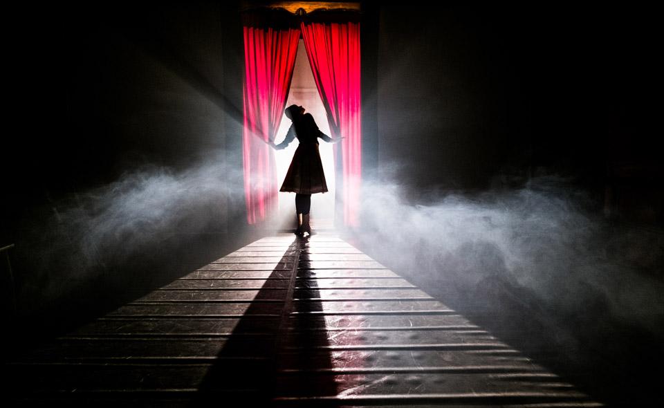 Le Prince Minuit, Teatropersona