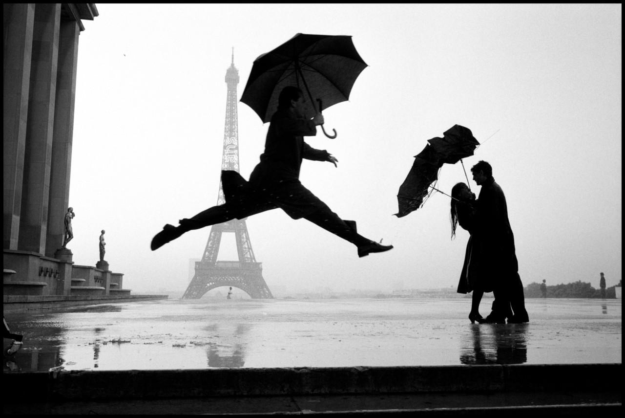 Jump in front of the Eiffel Tower, Elliott Erwitt, Paris, 1989